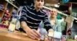 Candelabros con frascos de cristal