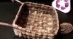 Carretilla hecha con papel para decoración