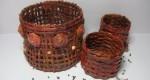 Originales cestas reciclando papel