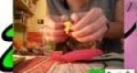 Cómo hace flores con papel de seda